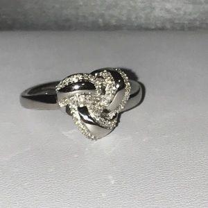 Jewelry - Nwot Genuine Diamond 1/4ctw knot ring